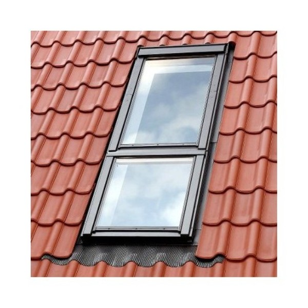 mansardnye_okna_velux_eks-0012_2_okna_odno_nad_drugim